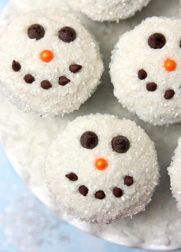 snowman-cupcakes-8