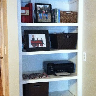 DIY Built-in Bookshelf