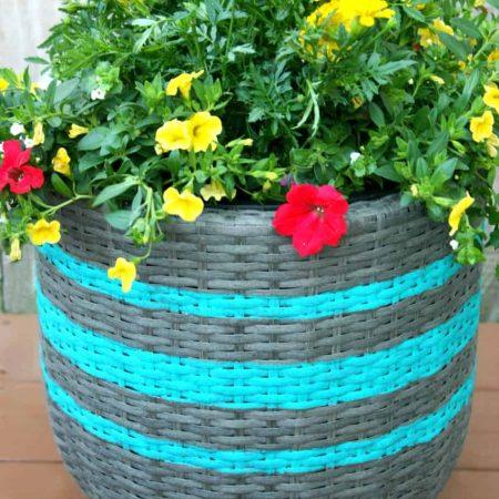 DIY Striped Planter using FrogtTape®