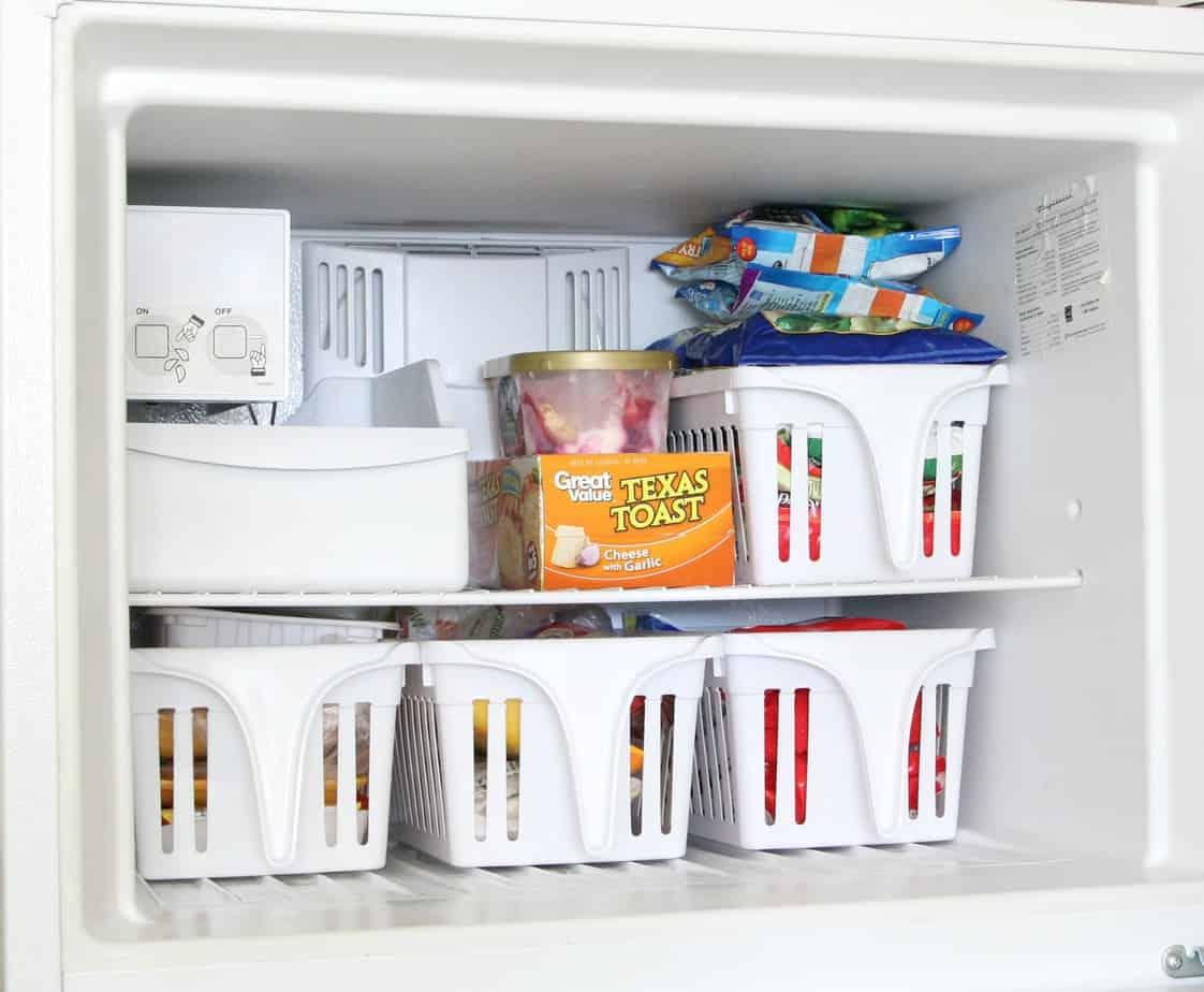 Baskets in Freezer - 10 tips for a clean and organized refrigerator