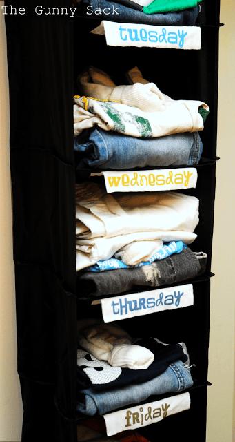 close+up+clothes+rack