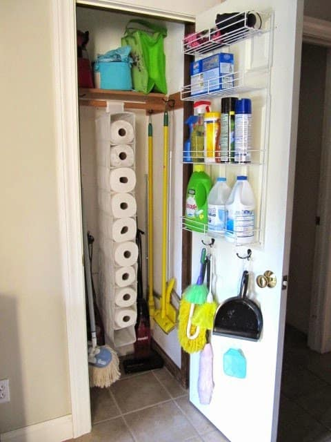organized+broom+closet_400