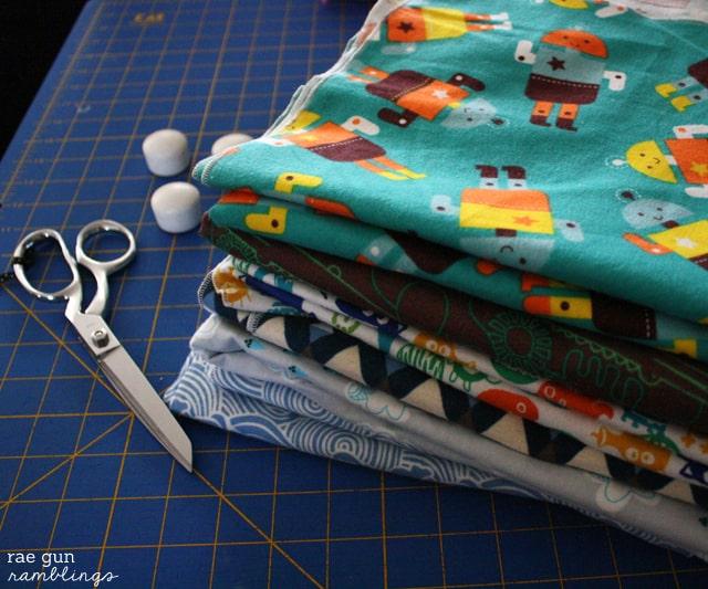 swaddling-blankets-002s