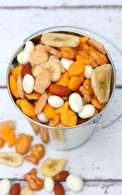 Easy Goldfish Trail Mix