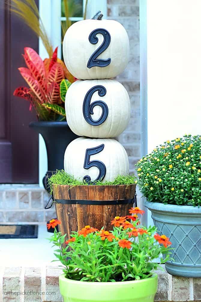 House-Numbers-Pumpkin-Topiary