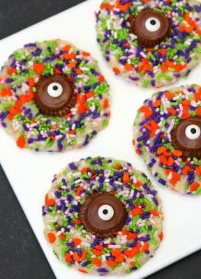 http://www.happygoluckyblog.com/wp-content/uploads/2015/10/Monster-Cookies-21-288x400.jpg
