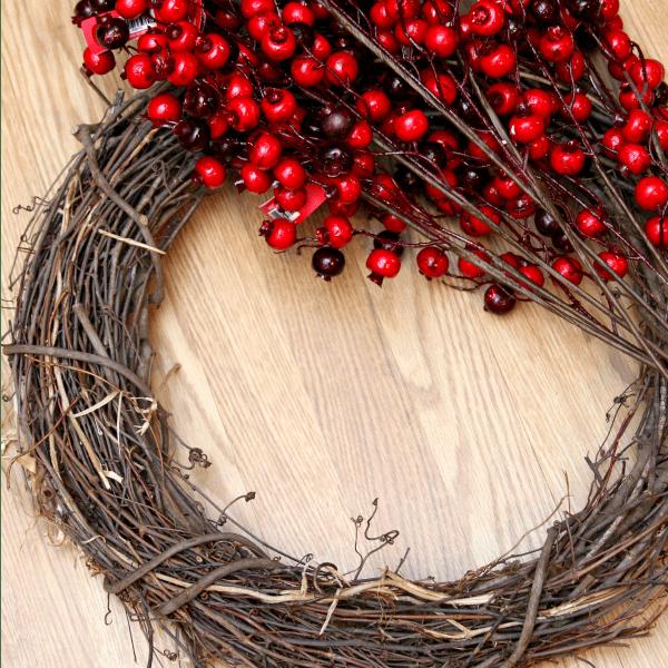 berry wreath materials