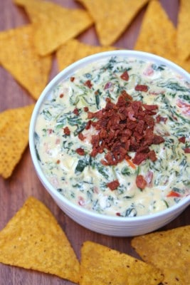 http://www.happygoluckyblog.com/wp-content/uploads/2016/02/Cheesy-Spinach-and-Bacon-Dip-267x400.jpg
