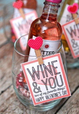 http://www.happygoluckyblog.com/wp-content/uploads/2016/02/Wine-and-You-Galentine-Gift-Idea-278x400.jpg