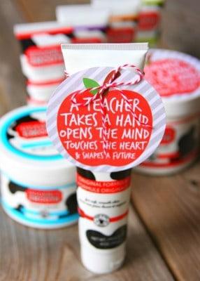 http://www.happygoluckyblog.com/wp-content/uploads/2016/03/Udderly-Smooth-Teacher-Appreciation-Gift-Idea-1-286x400.jpg