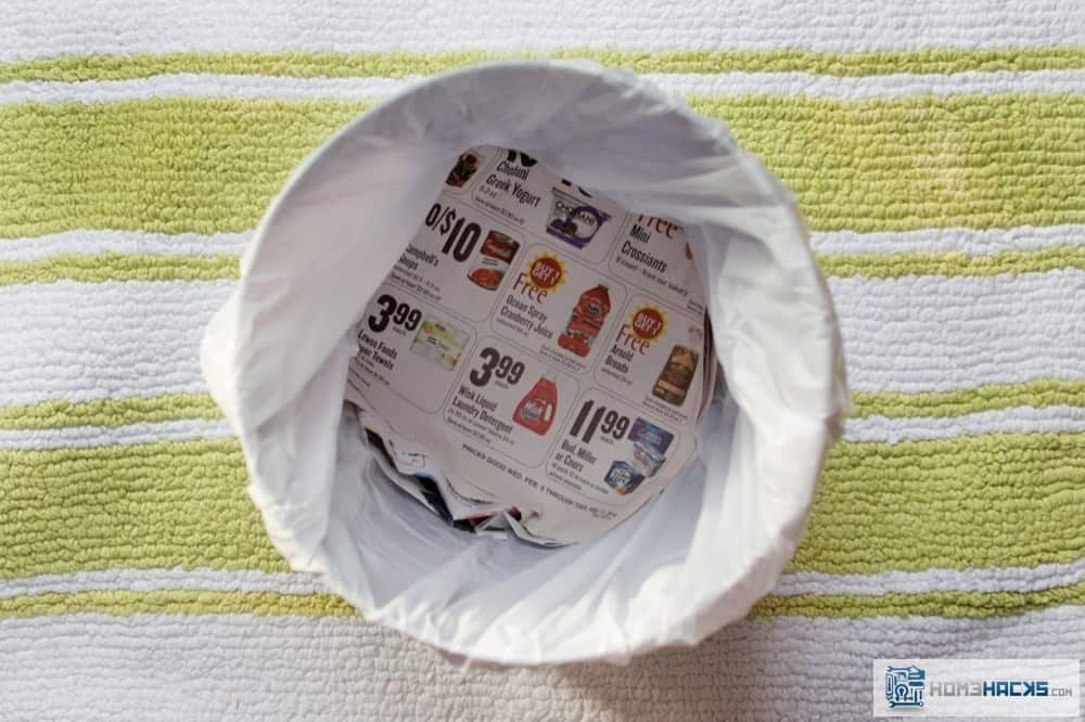 11-line-trashcan-newspaper