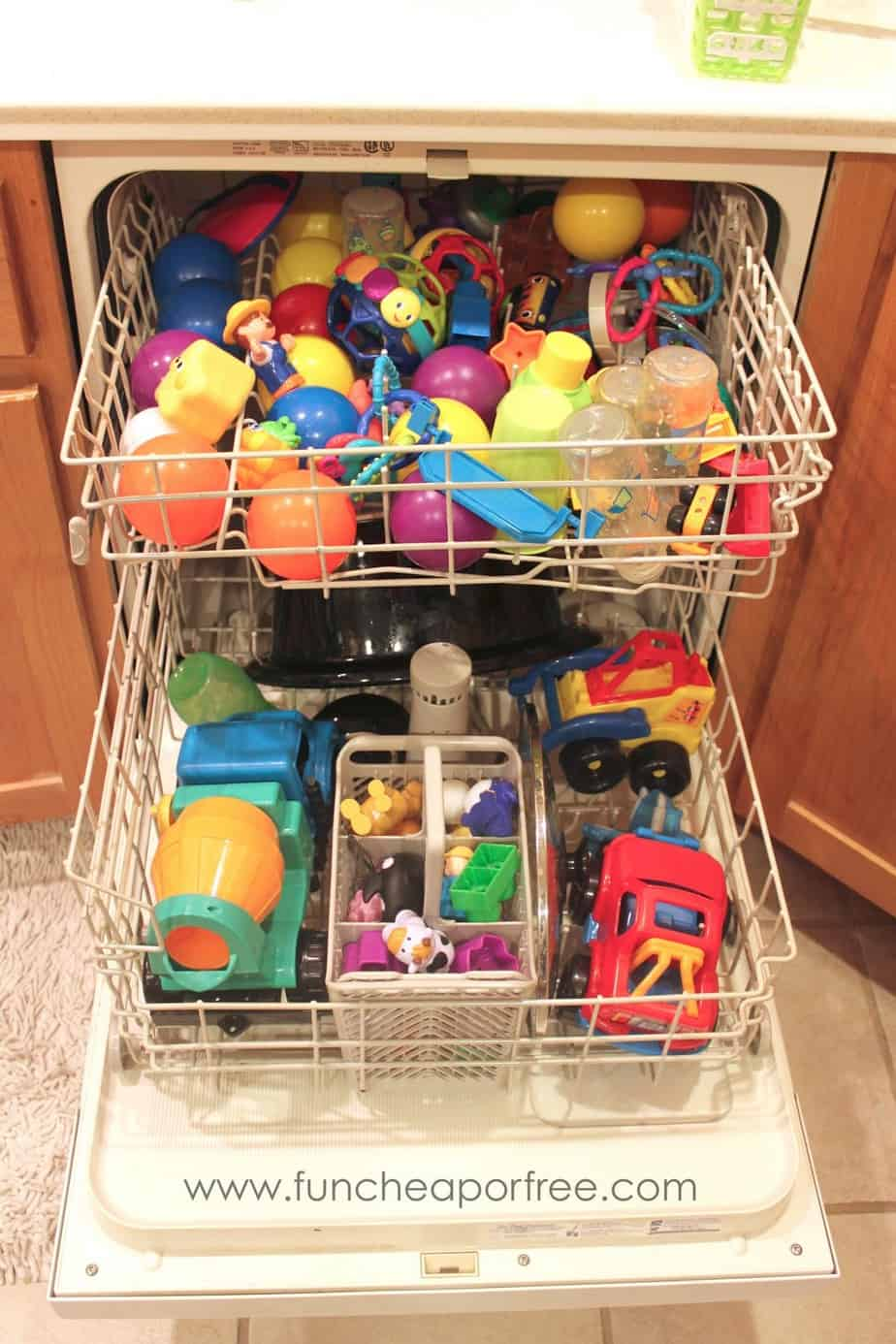 clean toys in dishwasher