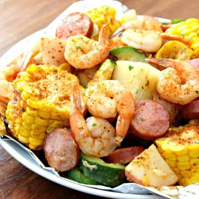 http://www.happygoluckyblog.com/wp-content/uploads/2016/07/Shrimp-Foil-Pockets-8-400x400.jpg