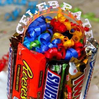 Easy Candy Bar Gift Box {Awesome Gift Idea}