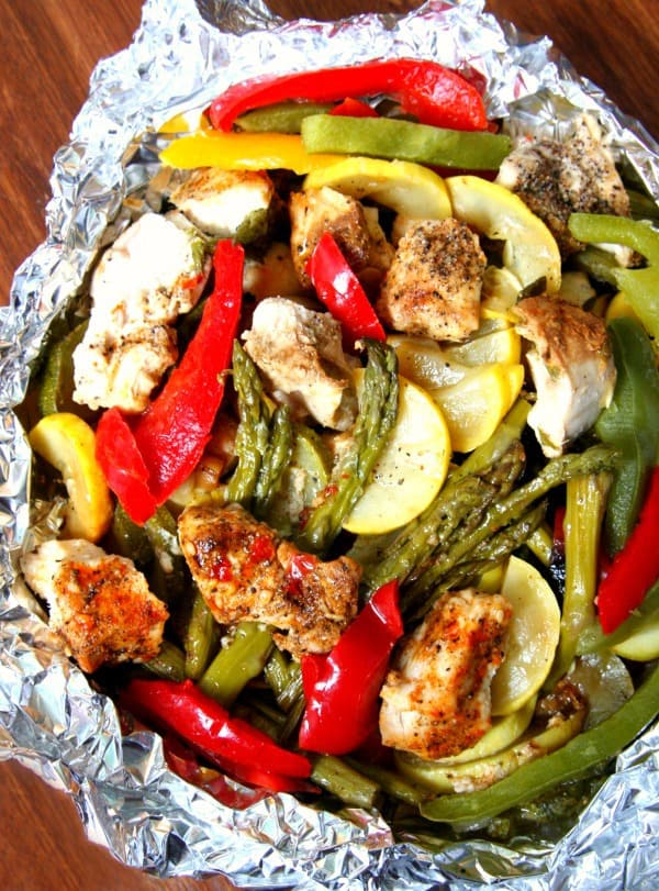 Grilled chicken and vegetable foil packets happy go lucky for Chicken and vegetables in foil packets recipe