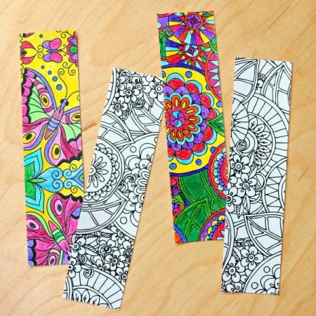 Color Your Own Bookmarks is a fun and easy kids craft. Perfect for every season of the year!