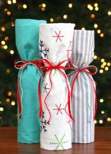 http://www.happygoluckyblog.com/wp-content/uploads/2016/12/Easy-Wine-Hostess-Gift-Ideas-217x300.jpg