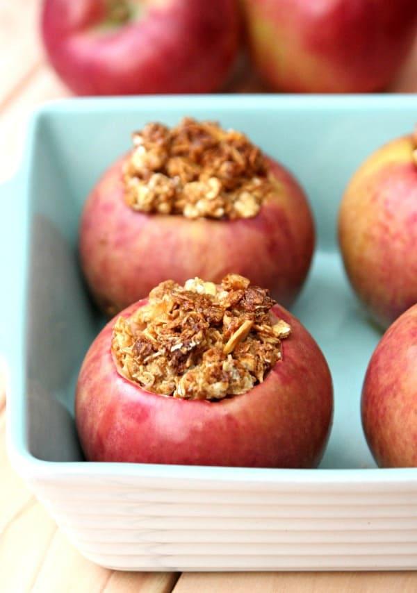 granola-baked-apples