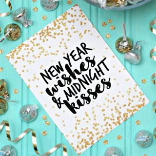 New Year Wishes and Midnight Kisses {Free Printable}