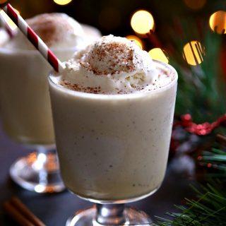 Eggnog floats - The perfect Christmas treat!