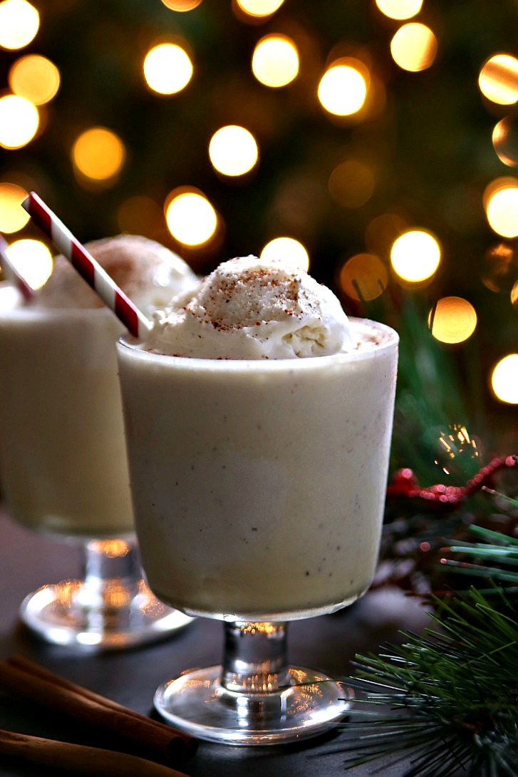 Spiked Eggnog Floats are the perfect Christmas tree