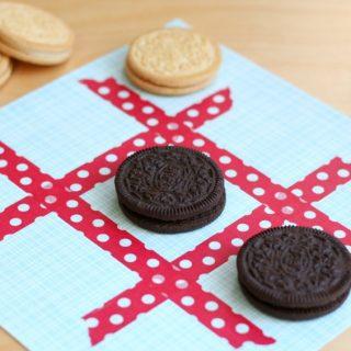 Cookie Tic Tac Toe {OREO Dunk Challenge}