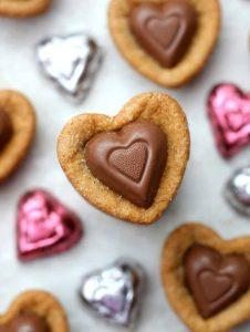 http://www.happygoluckyblog.com/wp-content/uploads/2017/02/Heart-Cookies-2-2-226x300.jpg