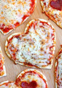 http://www.happygoluckyblog.com/wp-content/uploads/2017/02/Heart-Pizzas-3-2-210x300.jpg