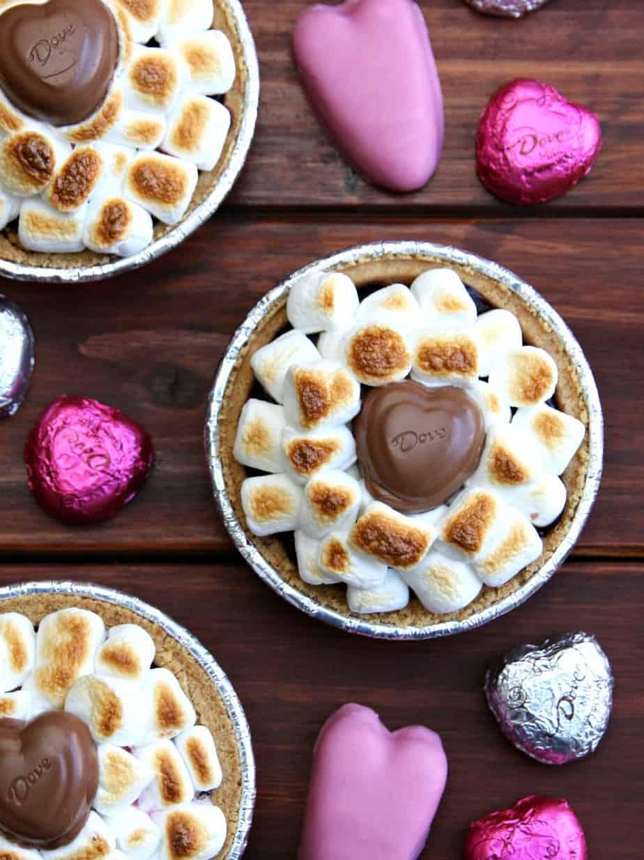 Mini Valentine's Day S'more Pies