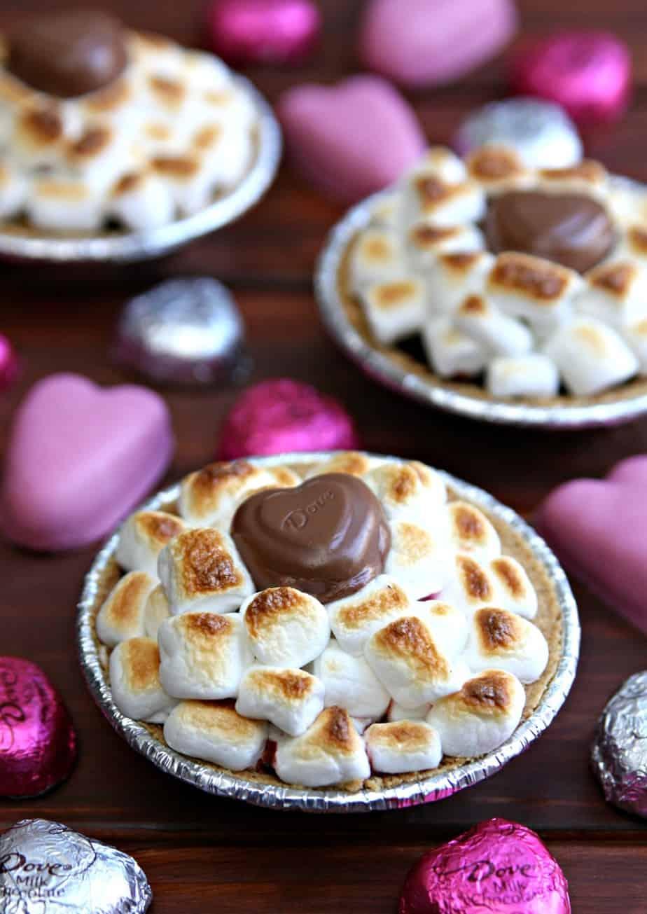 Valentine's Day Mini S'mores Pies