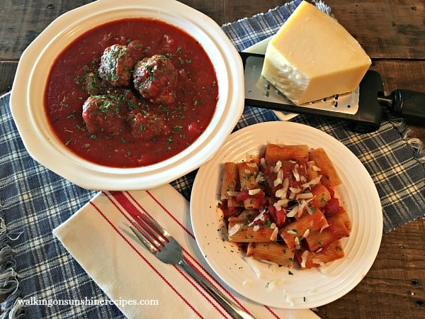 Homemade+Meatballs+and+Tomato+Sauce+from+Walking+on+Sunshine+FEATURED