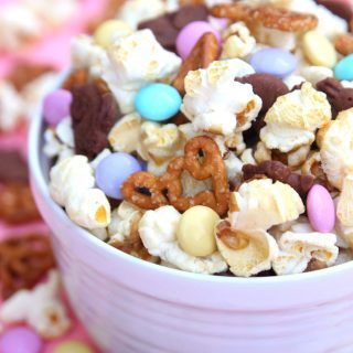 Bunny Bait {A Fun Easter Snack Mix}