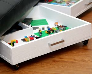 http://www.happygoluckyblog.com/wp-content/uploads/2017/04/DIY-Rolling-Storage-Drawers-3-300x243.jpg