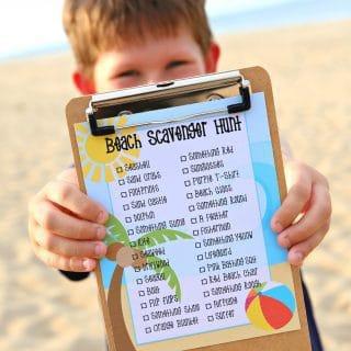 Beach Scavenger Hunt {Free Printable}