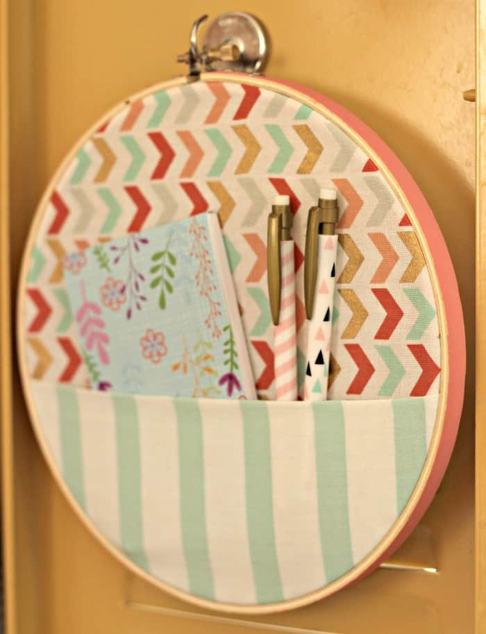 Embroidery-Hoop-Locker-Organizer-pocket-with-supplies