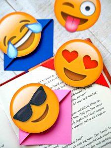 http://www.happygoluckyblog.com/wp-content/uploads/2017/07/Emoji-Bookmarks-3-224x300.jpg