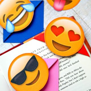 Fun and Easy Emoji Bookmarks