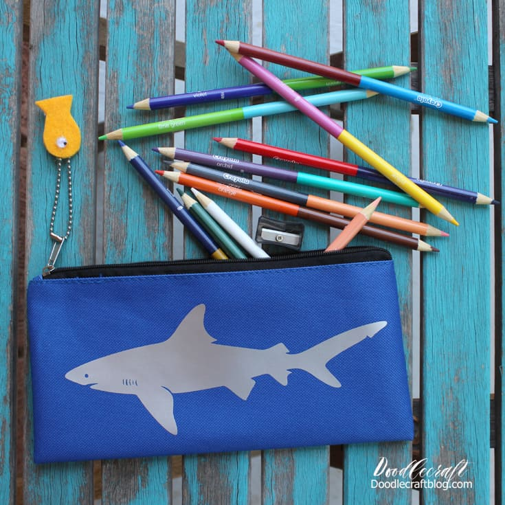shark+week+crafts+art+projects+kids+fun+back+to+school+pencil+case+bag+with+htv+vinyl+great+white+shark+diy+doodlecraft+2
