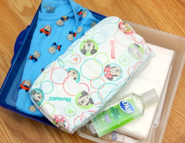 Emergency-Diaper-Kit-1