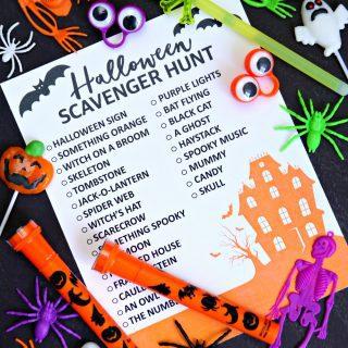 Halloween Scavenger Hunt {Free Printable}