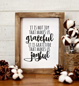 https://www.happygoluckyblog.com/wp-content/uploads/2017/11/Grateful-Joyful-Farmhouse-Printable-1-275x300.jpg