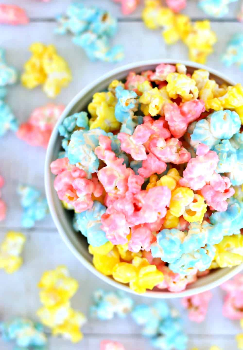 https://www.happygoluckyblog.com/wp-content/uploads/2018/01/Candy-Popcorn-3.jpg