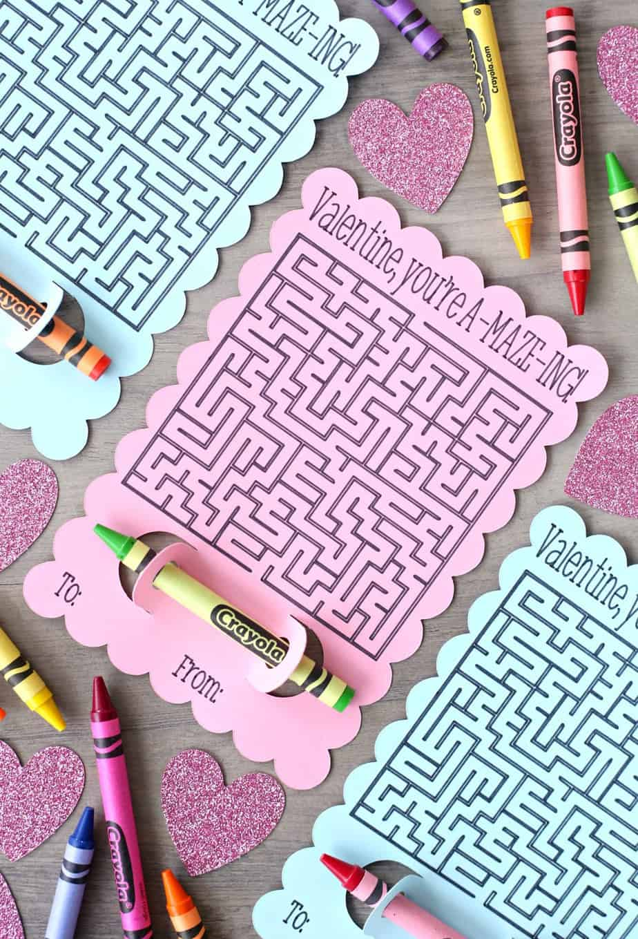 Maze Valentine's Day Cards - an easy non-candy Valentine's Day card to make with your Cricut cutting machine. A fun and easy Valentine! #noncandyvalentine #valentinesdaycard #cricutmade