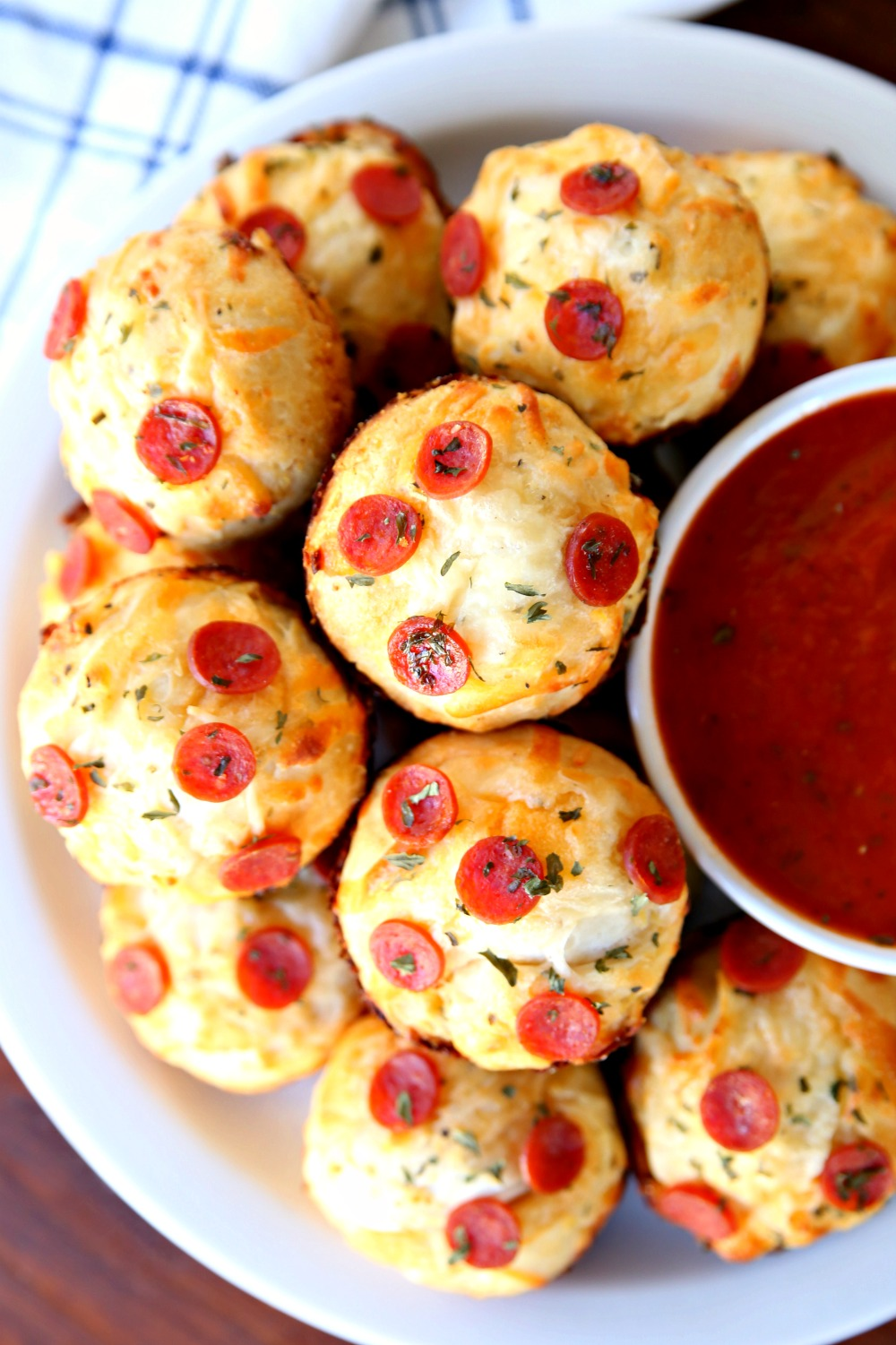 Easy Cheesy Garlic Muffins - The perfect savory appetizer to serve with pasta and pizza.
