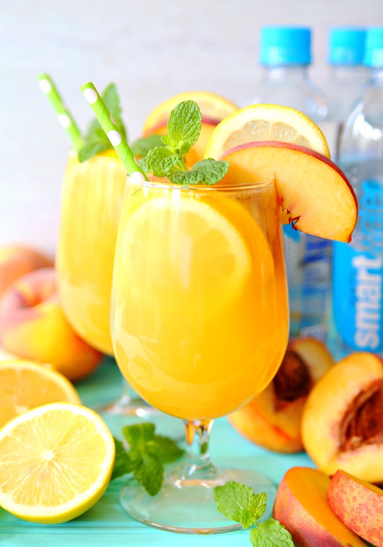 Easy recipe for Sparkling Peach Green Tea Lemonade