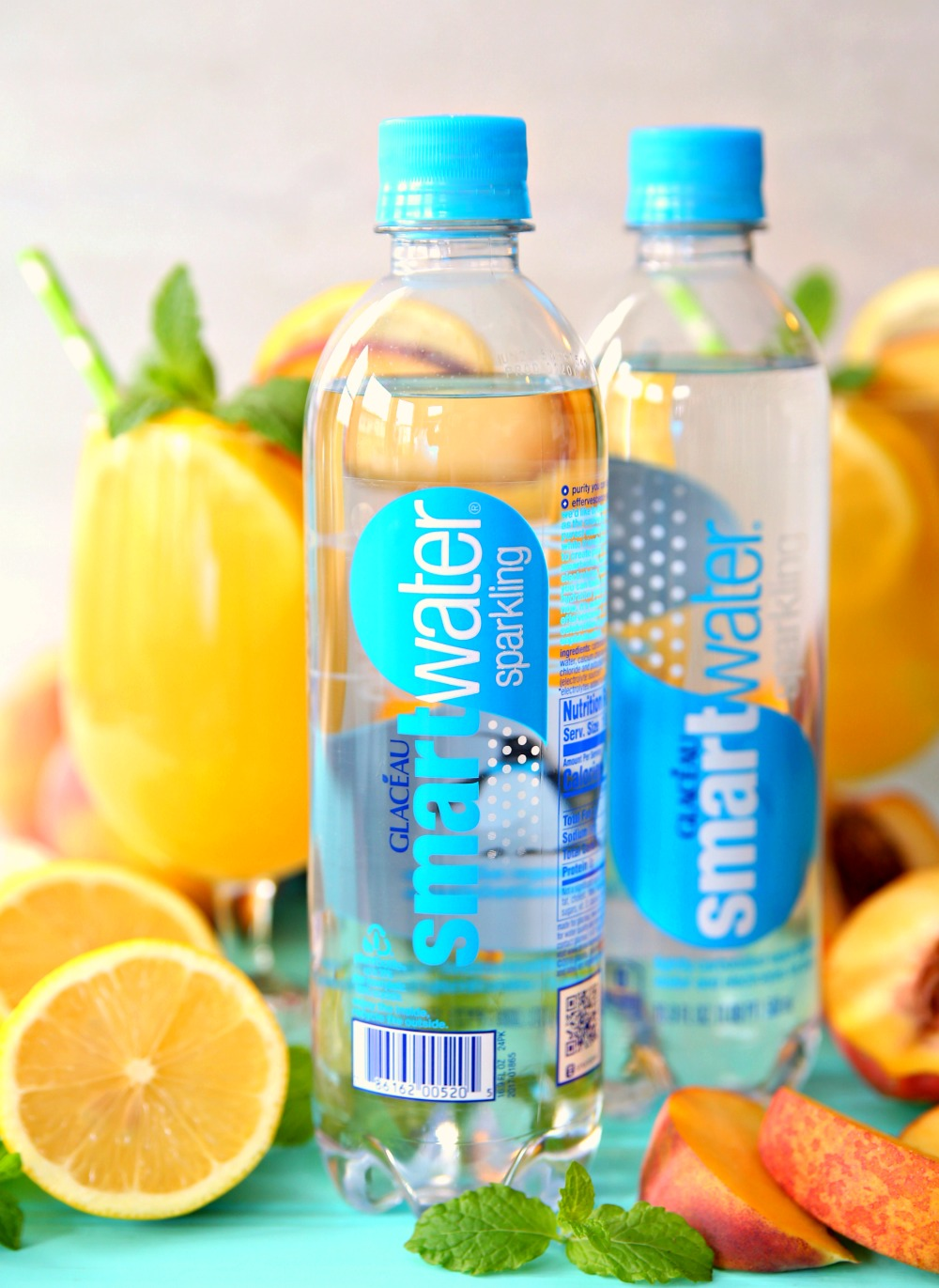 Sparkling Peach Green Tea Lemonade with smartwater sparkling water