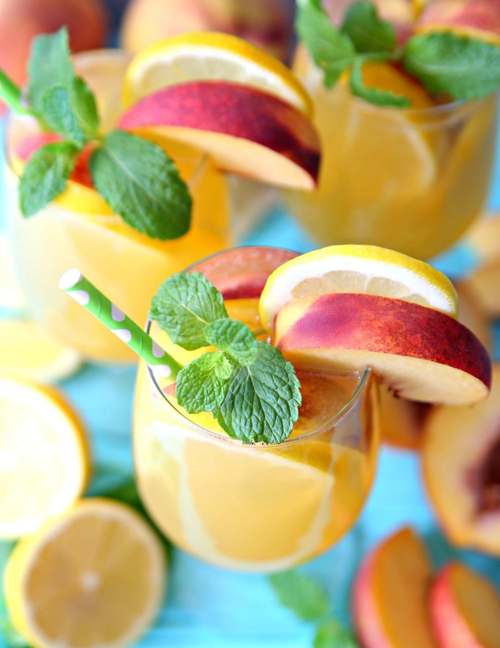 Sparkling Peach Green Tea Lemonade Recipe