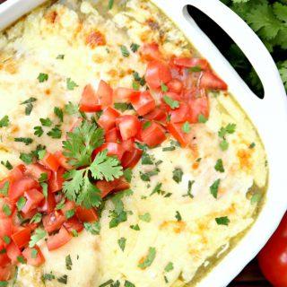 Salsa Verde Chicken {A 5 Ingredient Dinner Recipe}