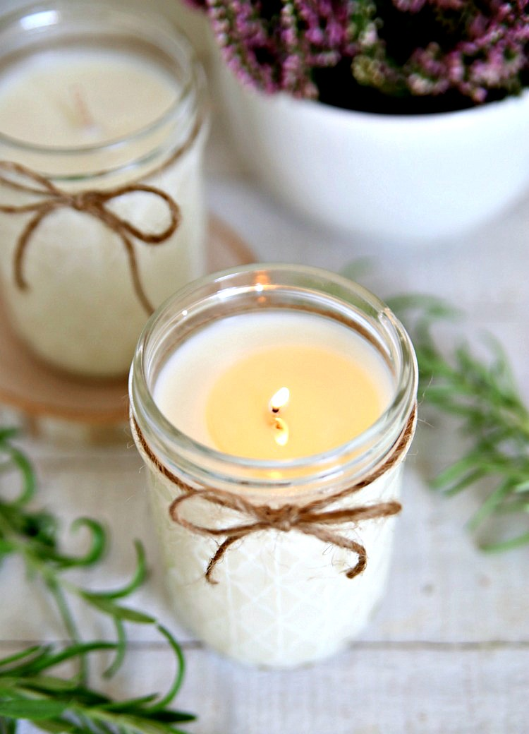 These Lavender Rosemary Candles smell amazing!