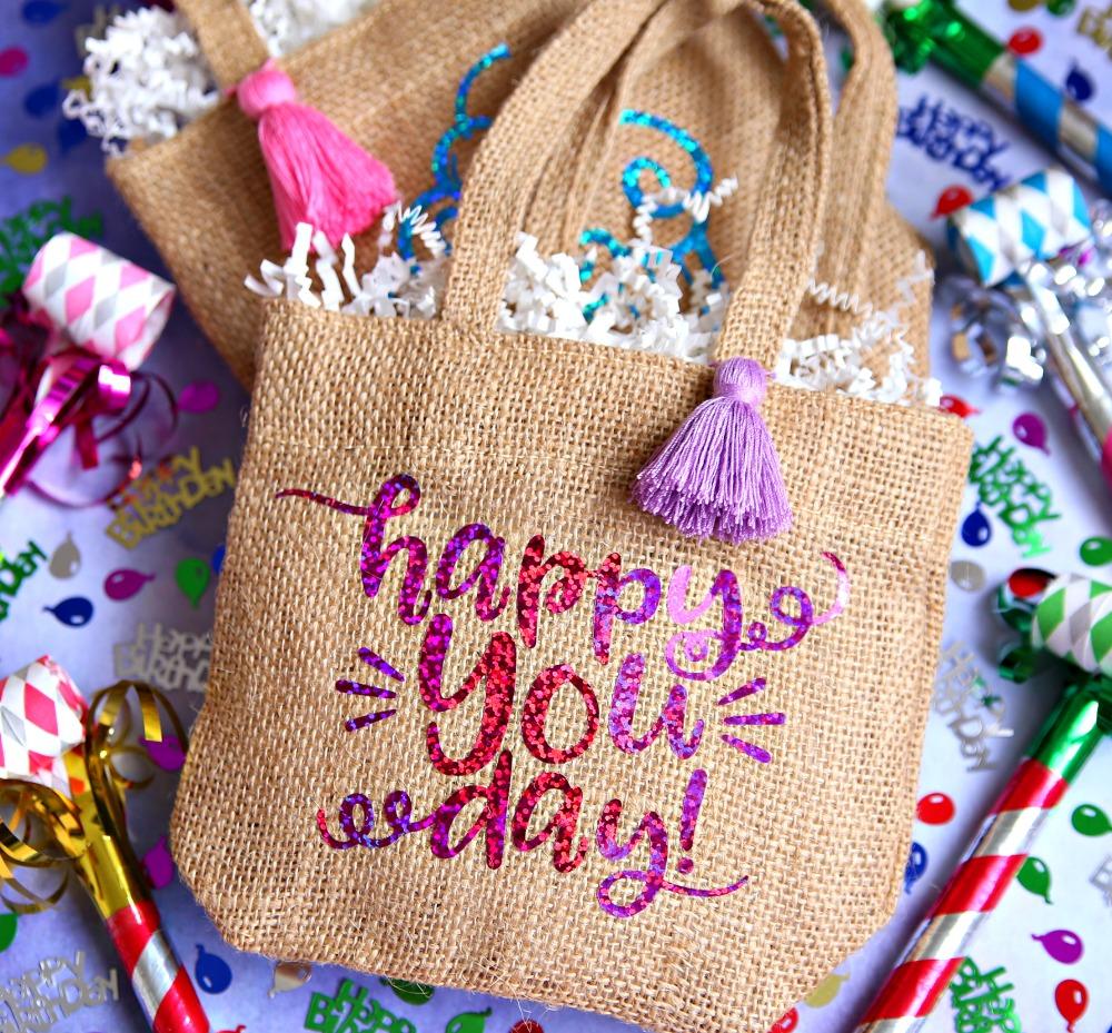 Birthday Gift Bag using Cricut and Vinyl